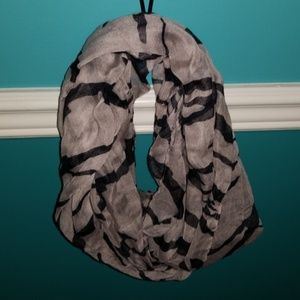 Accessories - Grey and black infinity scarf